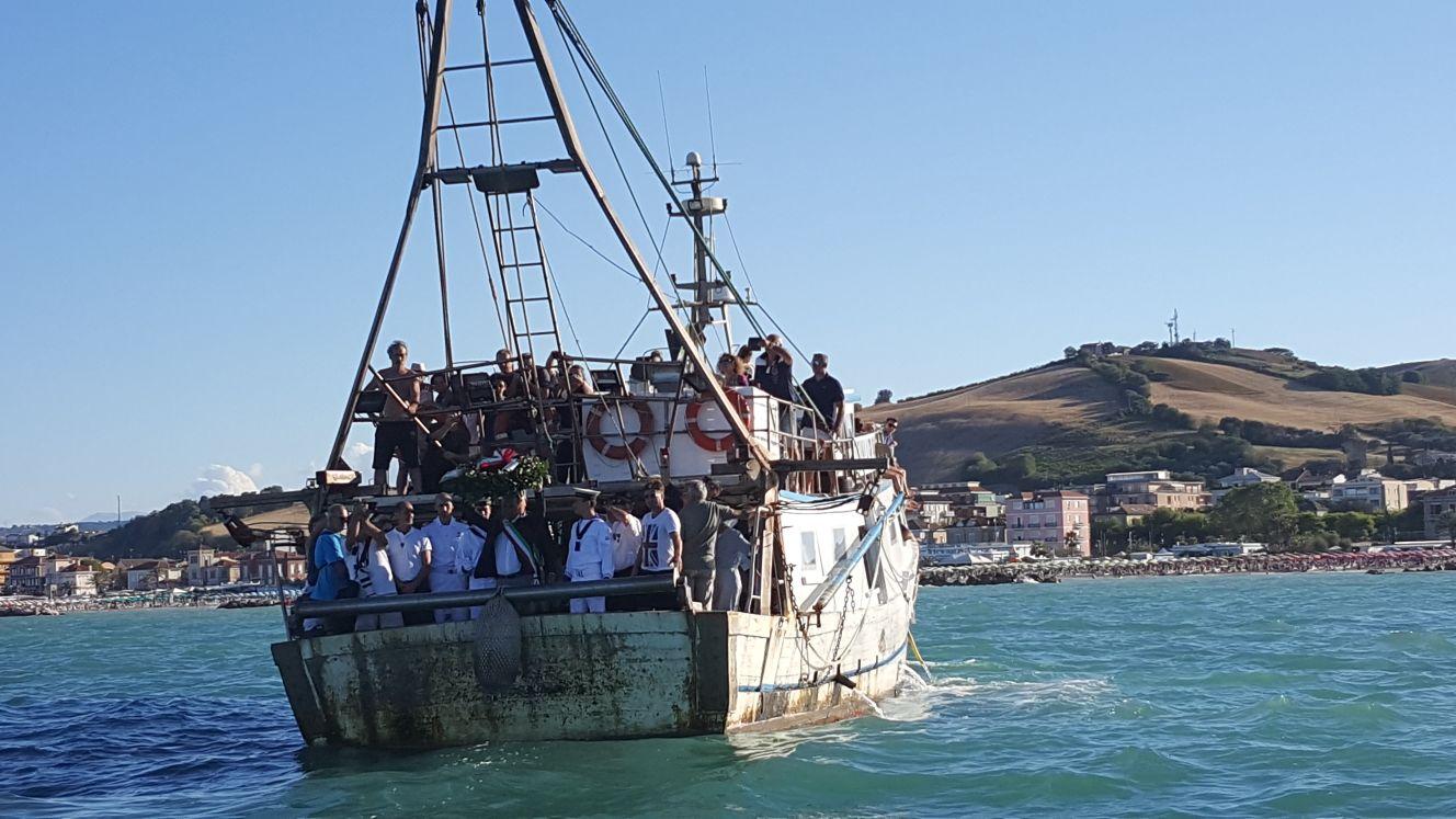 Porto san giorgio celebra il mare omaggio ai caduti e padella gigante foto e video cronache - Aran cucine porto san giorgio ...