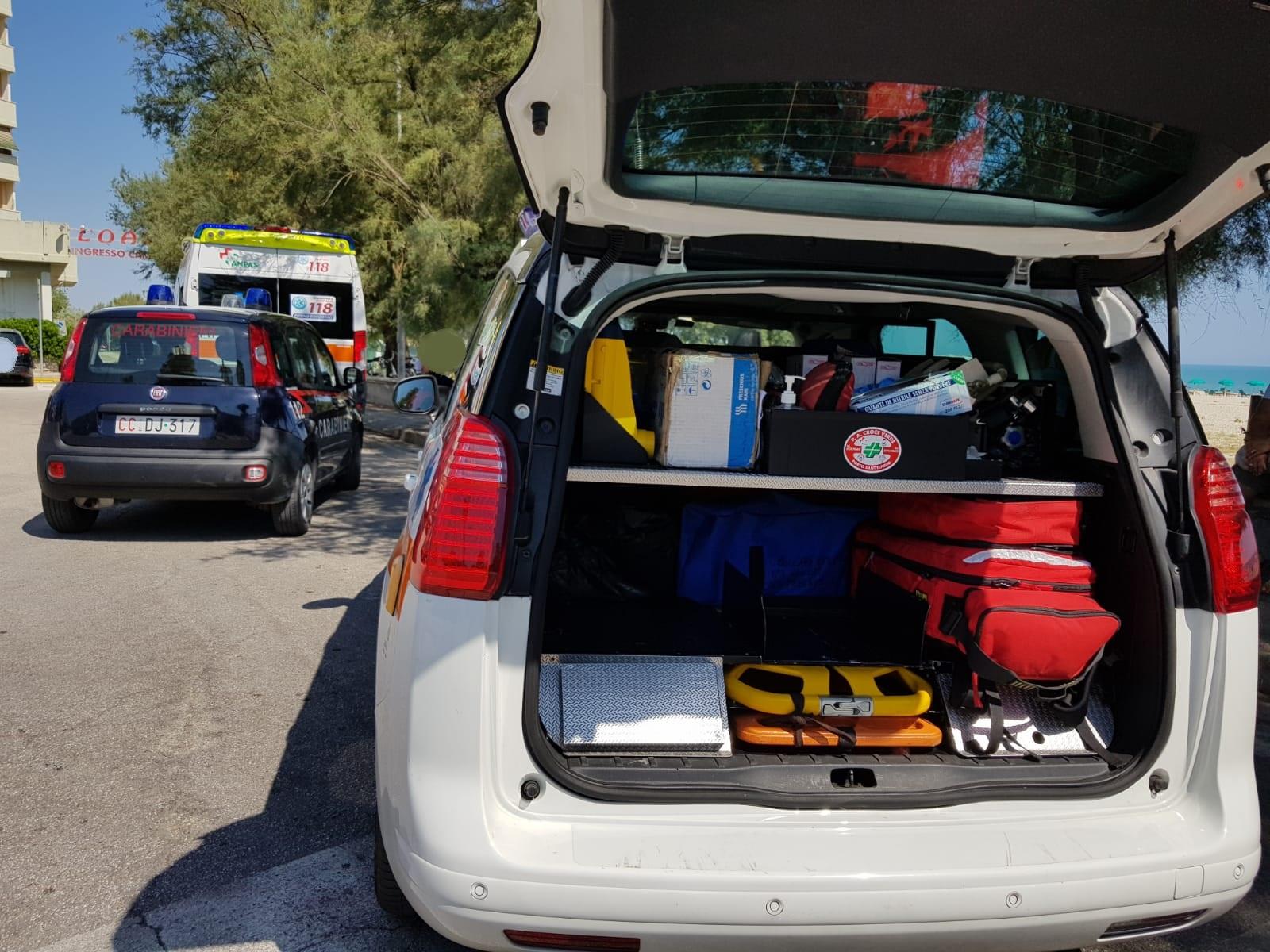 carabinieri-ambulanza-3-archi-118-3