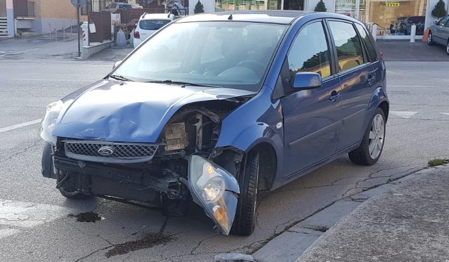 Impatto Tra Auto Due Persone All Ospedale Cronache Fermane
