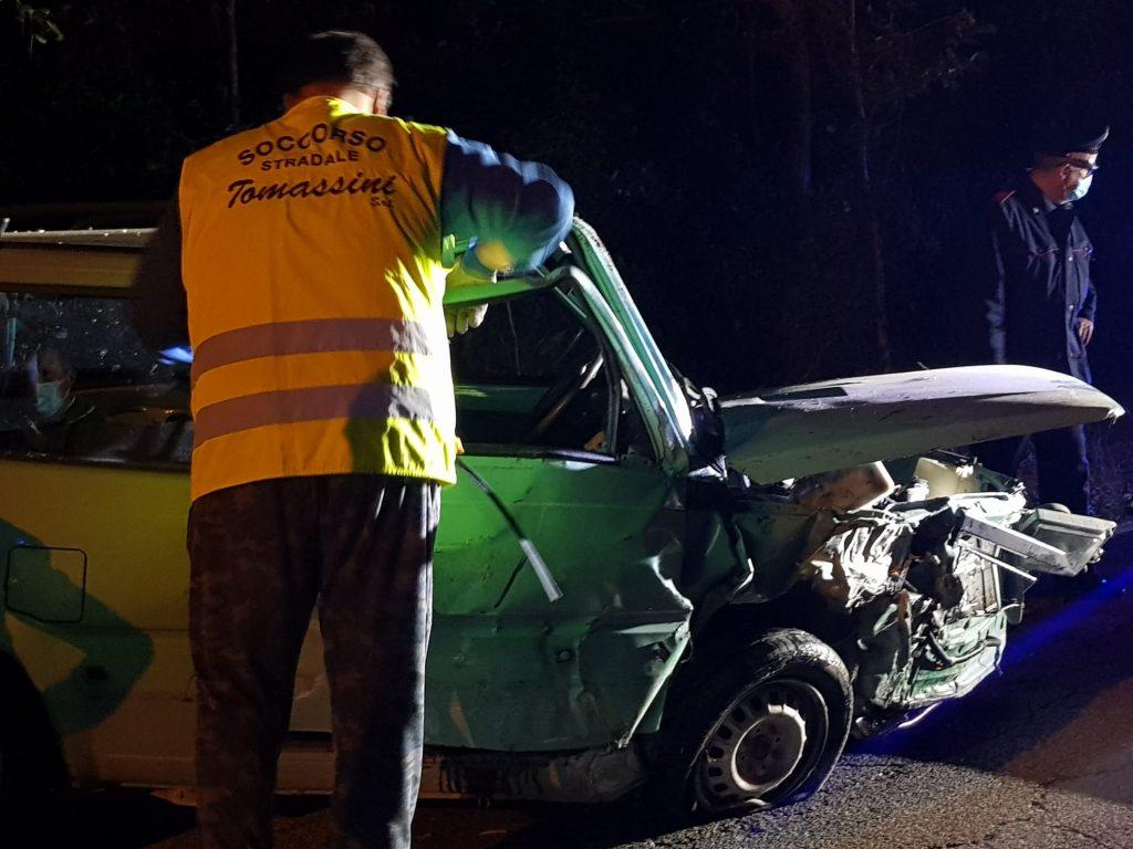 TRAGEDIA SULL'ASFALTO Pauroso schianto con l'auto: muore un ragazzino,  gravissimo il padre (Le Foto) | Cronache Fermane